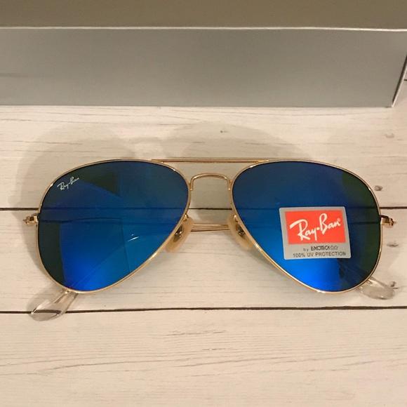 2c4c047185c4 Dark blue   Gold Rayban aviator sunglasses